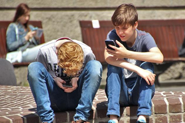 臉書吸引力持續下滑?皮尤研究:青少年更愛使用YouTube