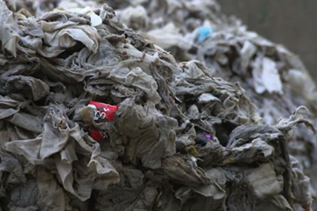 隨手丟棄的「溼紙巾」讓泰晤士河走樣了 英國政府計畫全面禁用
