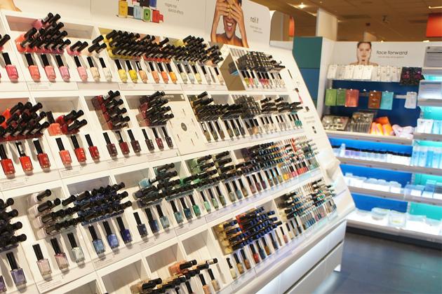 亞馬遜雖強大 仍無法取代「實體彩妝店」在消費者心中的地位