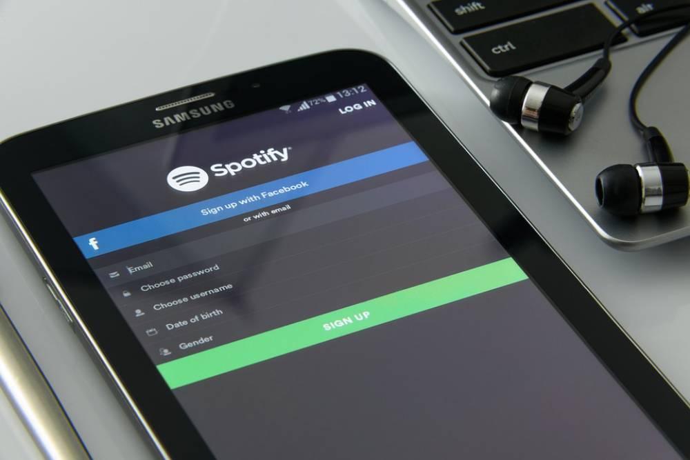 後來居上!音樂串流服服務「Spotify」 用戶數破1億