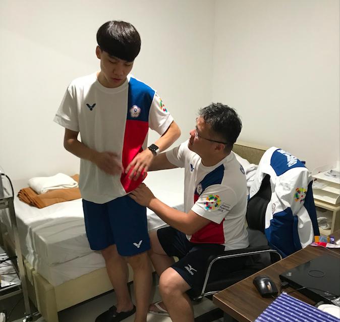 亞運跆拳品勢奪銅 陳靖靠醫療團「特殊指引」復出