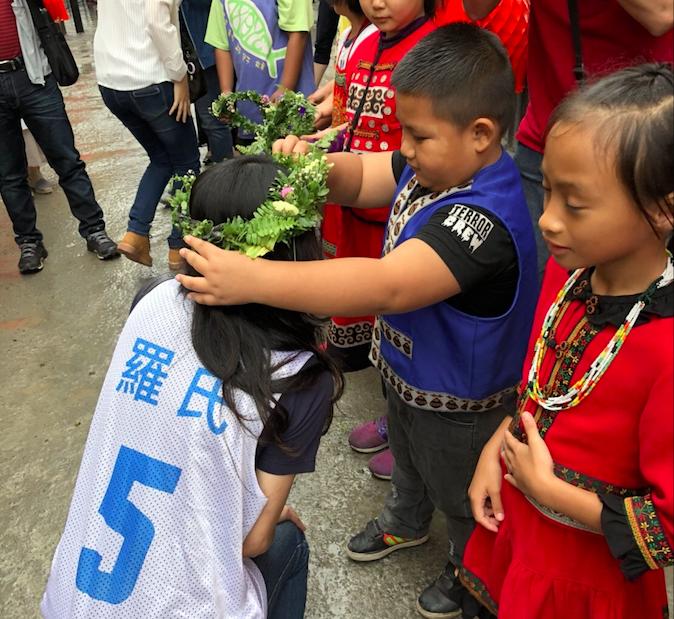 翻轉台灣偏鄉兒童的教育路 羅氏連十年奪道瓊最佳永續企業