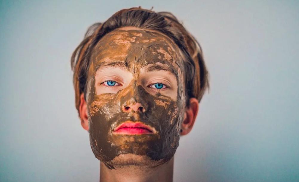 迷信天然的「它」磨粉敷臉可治青春痘? 食藥署解答恐害爛臉