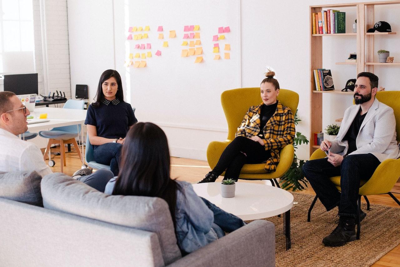 【匯流書房】避開16個會後悔的溝通方式 開啟職場向上之路
