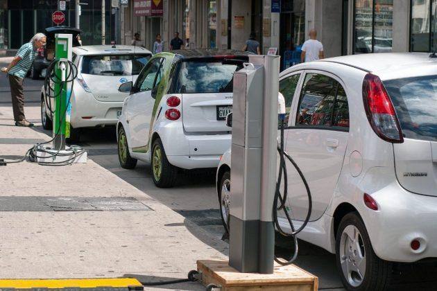 印度「2030年只售電動車」夢碎?民眾更愛價格便宜的燃油車
