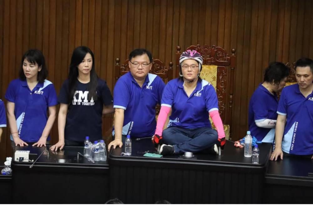 陳雪生輕佻回應性騷控訴惹眾怒 陳玉珍抱不平加碼爆: 民進黨女立委稱「要性侵男立委」