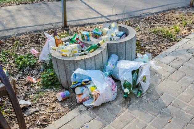 收費減塑真有效!英國塑膠袋使用量減少近九成 未來擬加倍收費