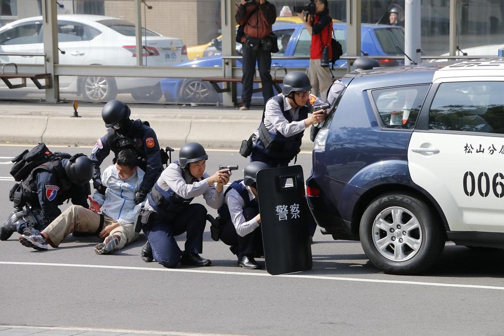 詐騙犯滿街跑不稀奇 聽說過專門詐騙警察的慣犯嗎?