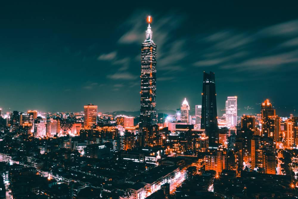 【投書】10萬人撐香港?不如說2300萬人都上街了