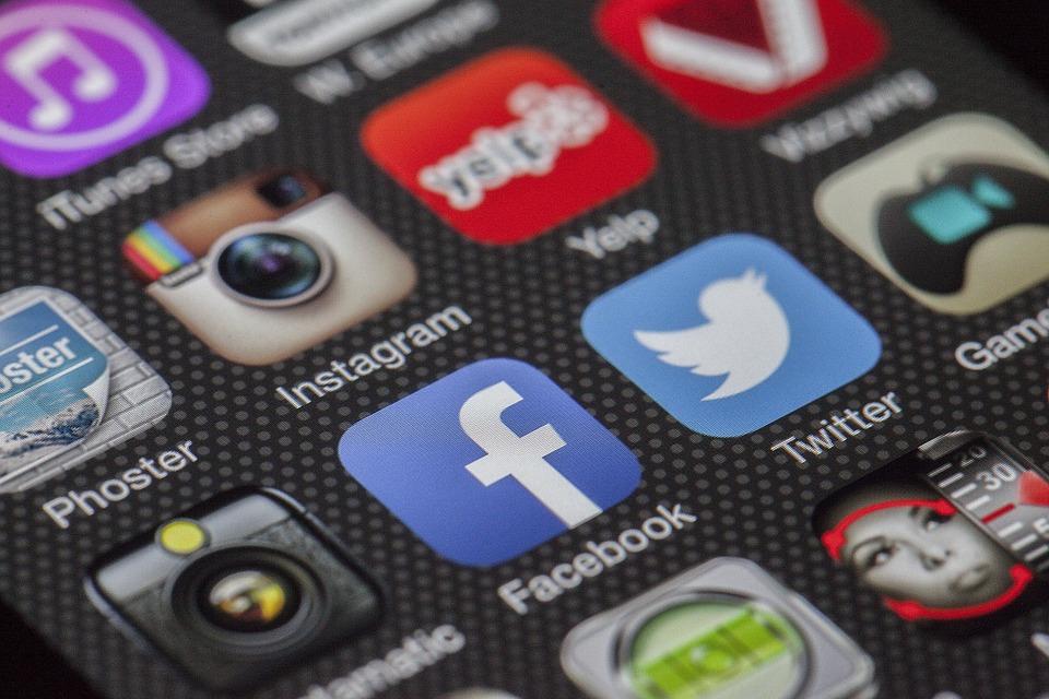 你的安卓手機一直彈廣告、很耗電?當心是你安裝到這兩個惡意App了!