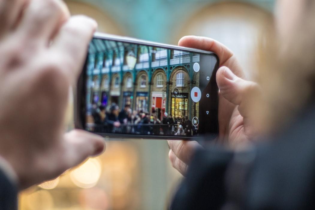 你的手機會偷拍!Android預裝軟體藏漏洞 Google、三星都中招