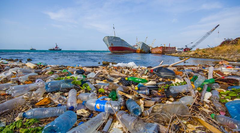 太平洋上的巨型垃圾島:「太平洋垃圾帶」