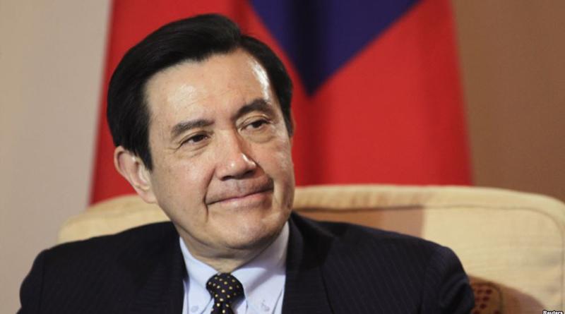 中國施壓  馬英九自製名牌「中華民國(台灣)前總統」
