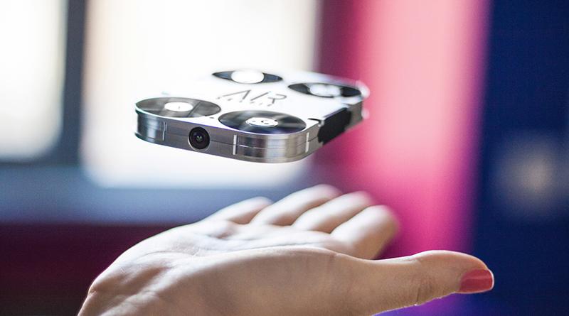 迷你無人空拍機「AirSelfie」 自拍距離不受限!