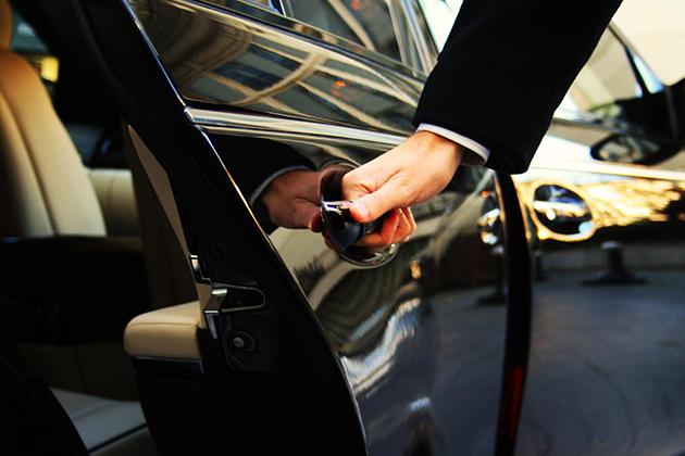 Uber願意納保、納稅,就是不納管