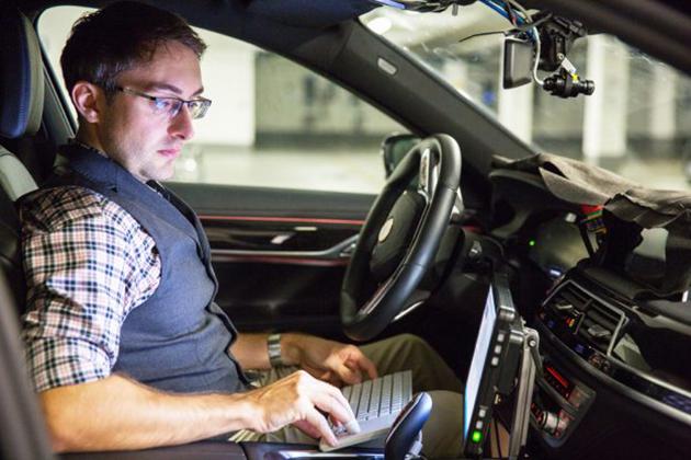 【CES 2017】Intel來了!攜手BMW自駕車隊年底前路測