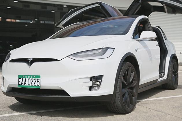 [智慧車業在台灣]Tesla讓台灣電動車翻倍 兩大功能最適合台灣車主