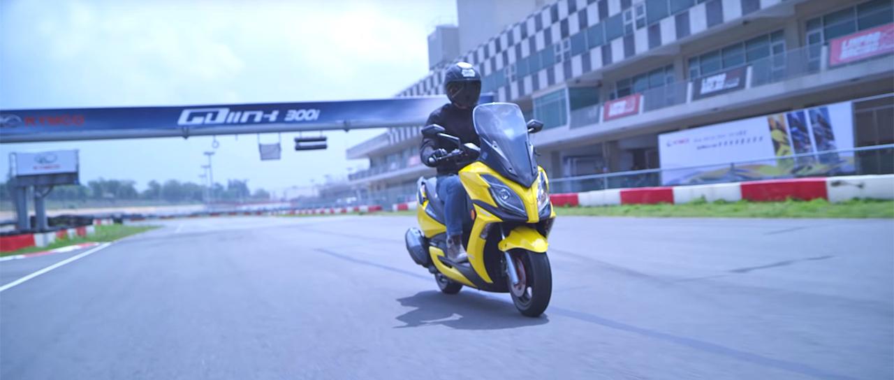 【光陽GDink 300i】平坦式腳踏板:國內黃牌車款「唯一擁有」!