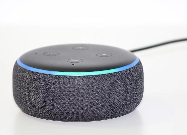 肯德基爺爺幫你點餐?亞馬遜替Alexa增新功能 廠商可自選客服聲音