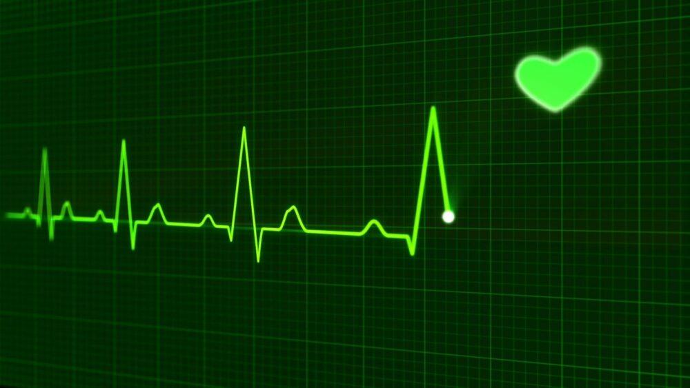 快量一下!「心跳一年比一年越跳越快」  研究驚曝:死亡率恐增2倍