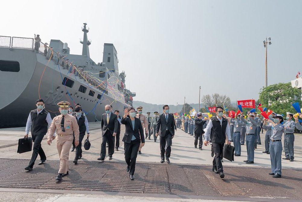 預言家稱「第3次世界大戰10月爆發」!中國武器稱霸、成世界「終局之戰」?