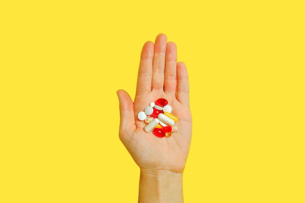 口服類固醇只吃短期也有風險!  最新研究曝出血、心衰竭風險倍增
