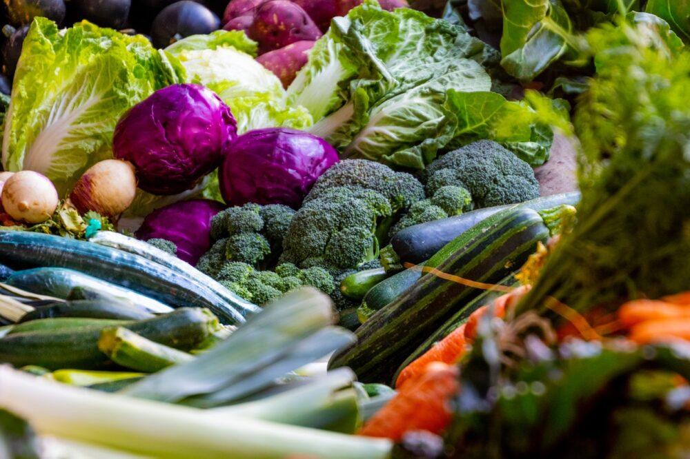 啥咪!吃深綠色蔬菜傷腎?   一次搞懂高血鉀、腎結石風險到底藏哪