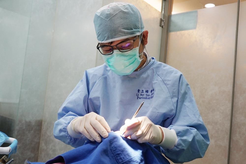 【有影】牙周病患怎麼正確刷牙、潔牙?  牙線這樣用馬上就NG