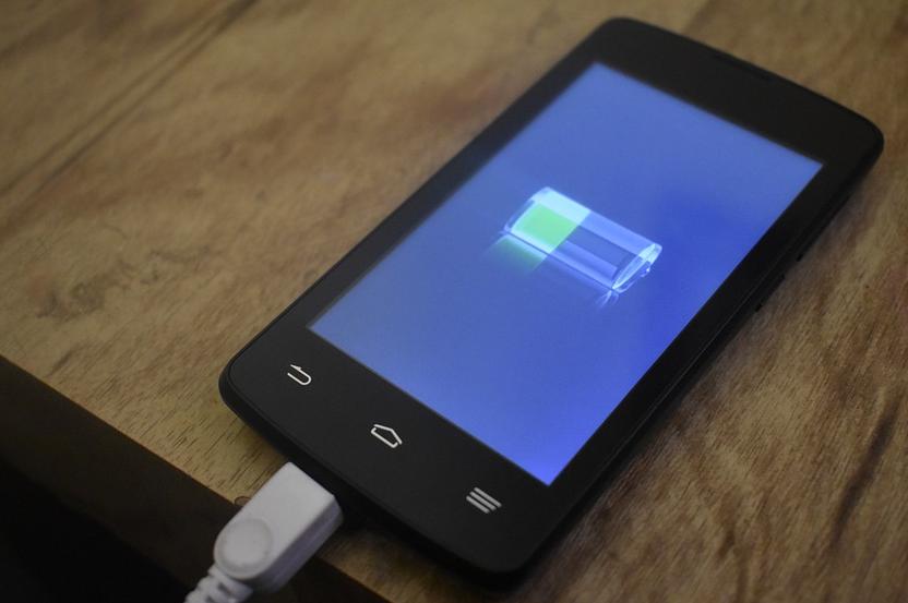 手機常常沒電?鋰電池壽命變短除了「自然損耗」還有這些原因!