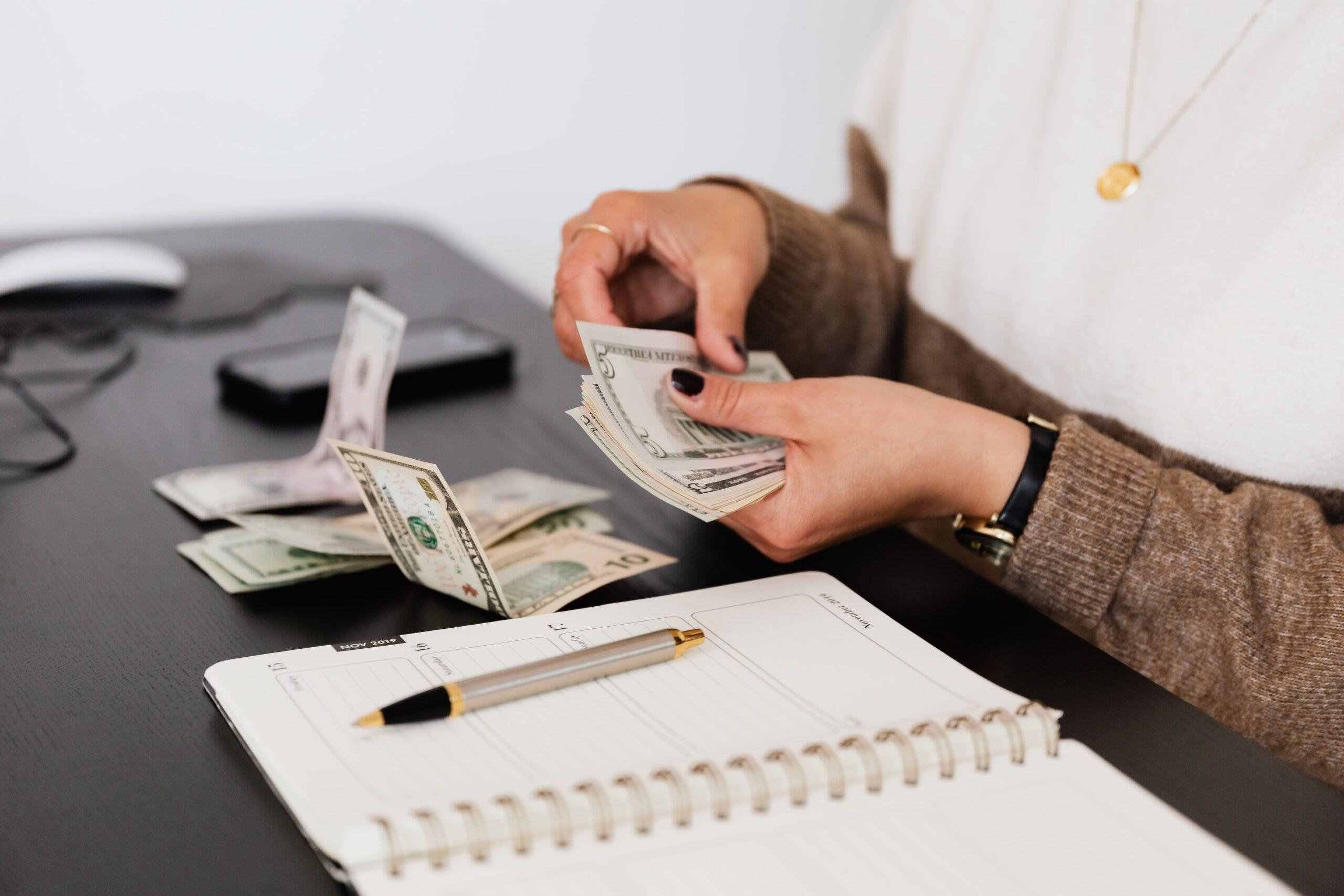 「現在薪資越來越厲害」!網徵會計必備18技能  酬勞引鍵盤戰