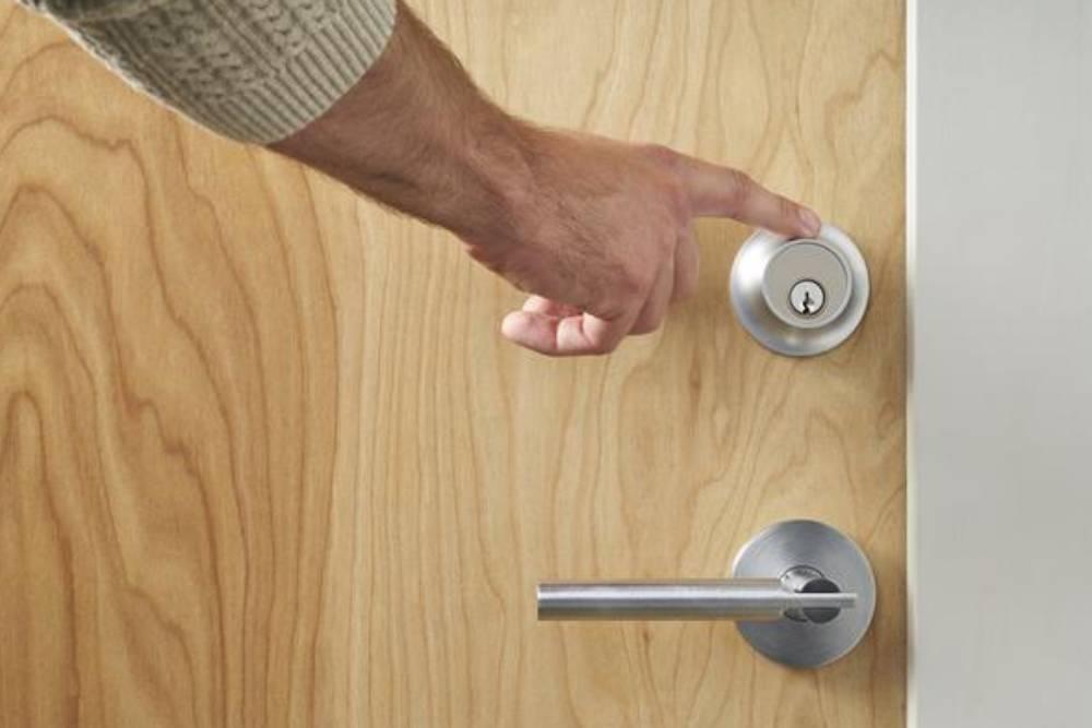 手指輕碰就解鎖?智慧門鎖開啟生活新紀元 用戶仍需定期檢驗這件事