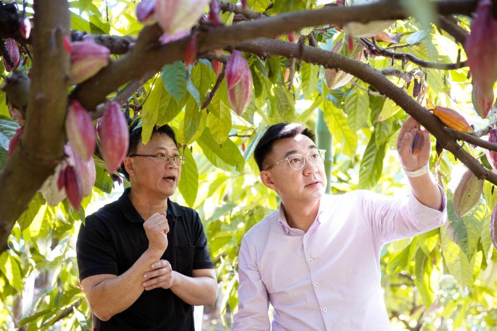 江啟臣造訪各地基層傾聽民意 挺農挺醫護 也推動反萊豬公投