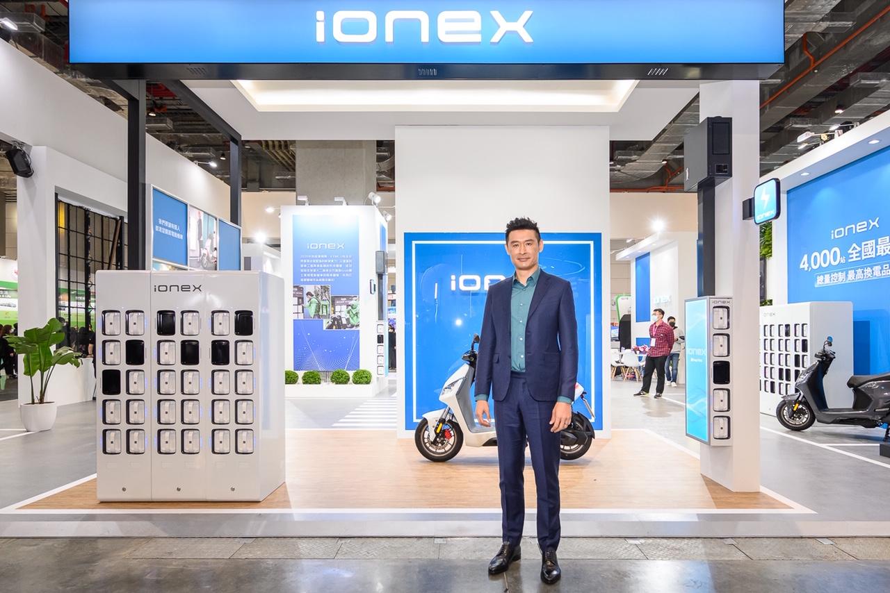 陳其邁登智慧城市展體驗光陽IONEX 3.0  柯勝峯:高捷Ionex ATR最快五月運營