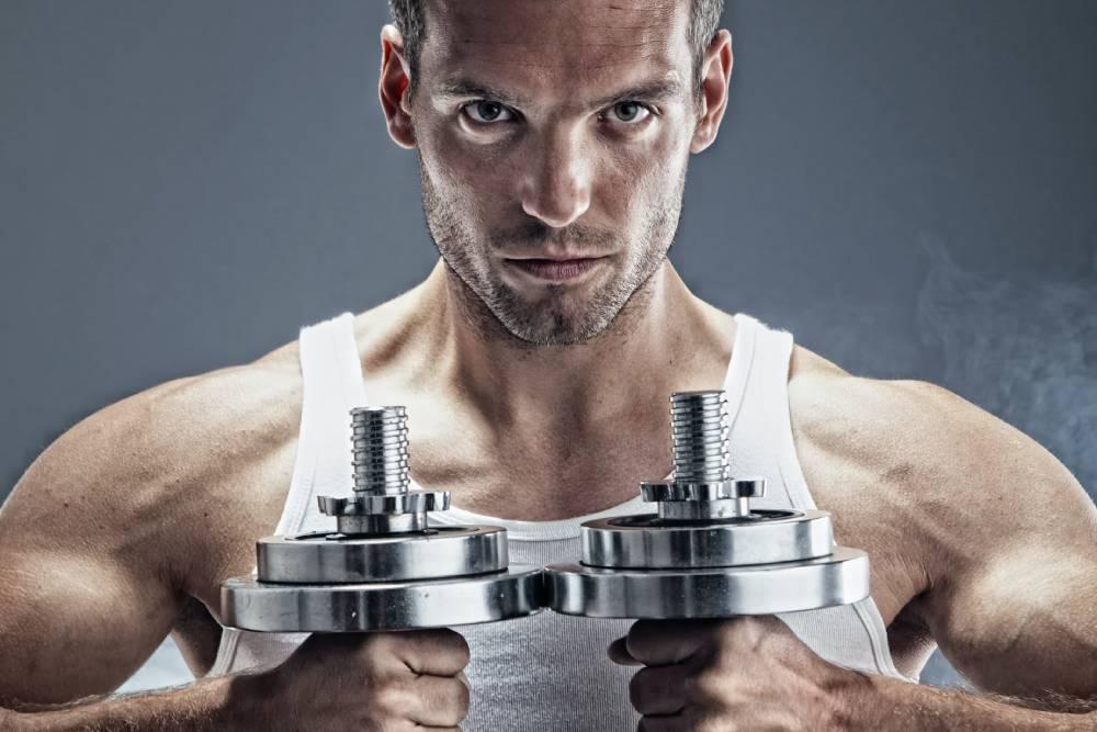 想有阿諾‧史瓦辛格的同款大胸膛?健身品牌教你怎把胸肌練起來!