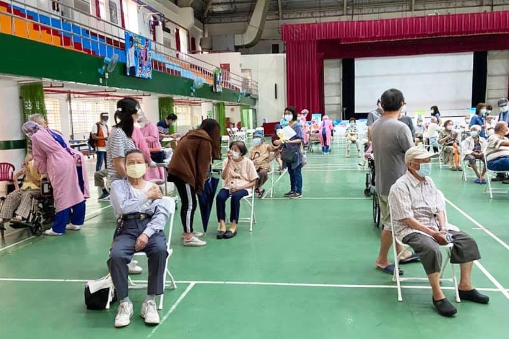 陳致中籲專案安排留學生出國前優先打疫苗 提高在異鄉求學的保護力