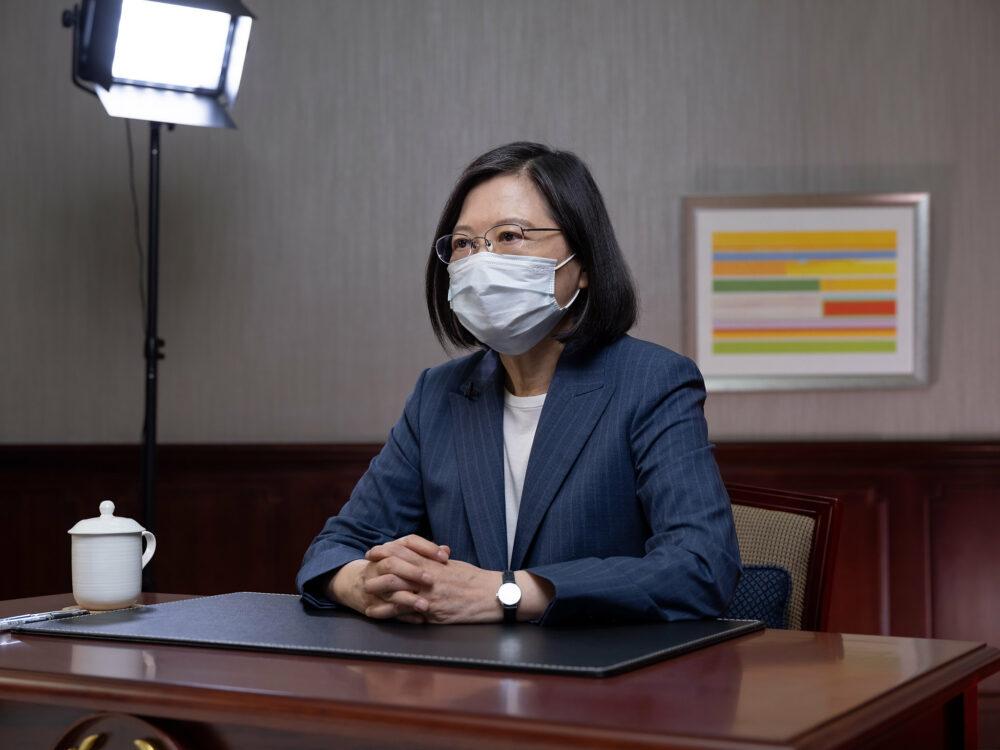 【有影】疫苗預約登記系統上路 蔡英文:有注射有保護 每一款攏A賽