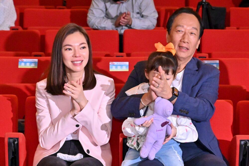 7749天/郭台銘凌晨宣布 已完成BNT疫苗採購相關合約簽署