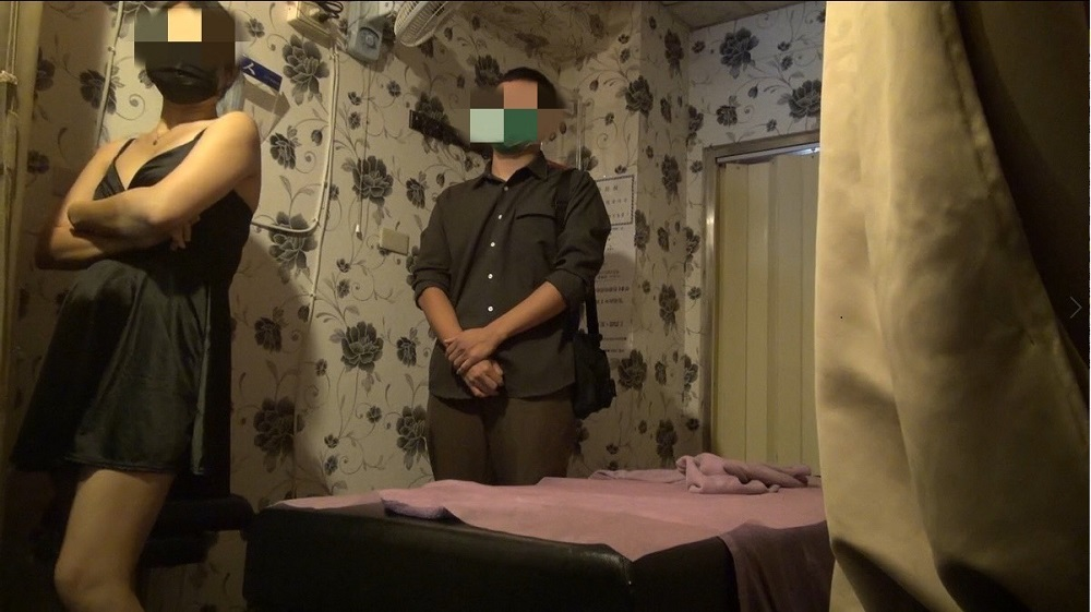 手機連線監視器躲警 越南按摩妹暗營半套性交易