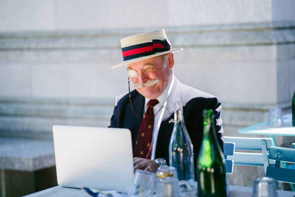 【銀髮經濟3-2】爺爺奶奶的驚人行動力!電商平台不容忽視的「銀髮商機」