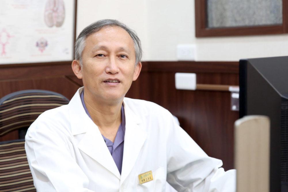 【有影】小診所大醫師》他棄機械轉披白袍 台南近百年診所擦亮「預防醫學」金招牌