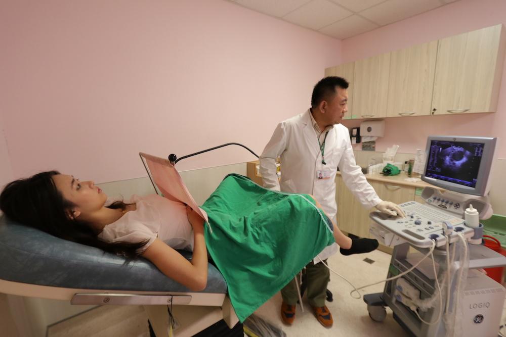 鐵齒女異常出血當亂經 拖到「如水庫洩洪」已晚期癌
