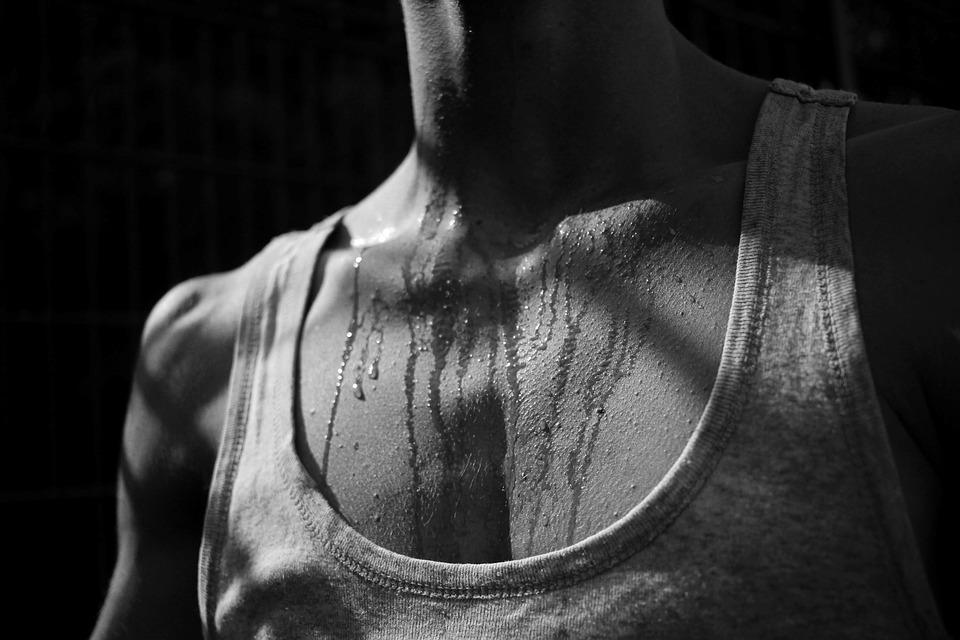 夏日隱憂!腋下出汗量比人多5倍  若逾6個月快就醫診治