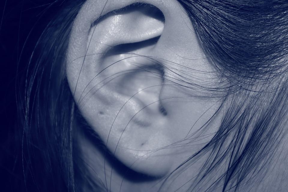 耳朵莫名發熱、腫脹? 恐是「耳廓變形」危險前兆