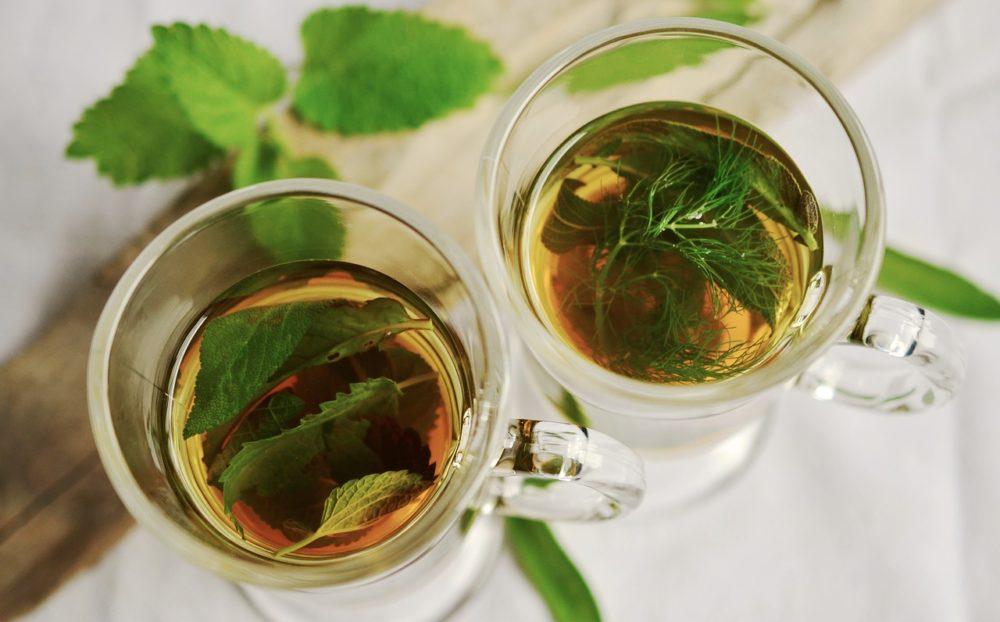 喝大蒜水、紅茶、醋「抗病毒」?  食藥署提醒傻傻喝恐出這問題