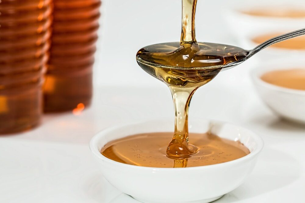 啥咪!蜂蜜加熱超過40度有毒?  食藥署告訴你真相