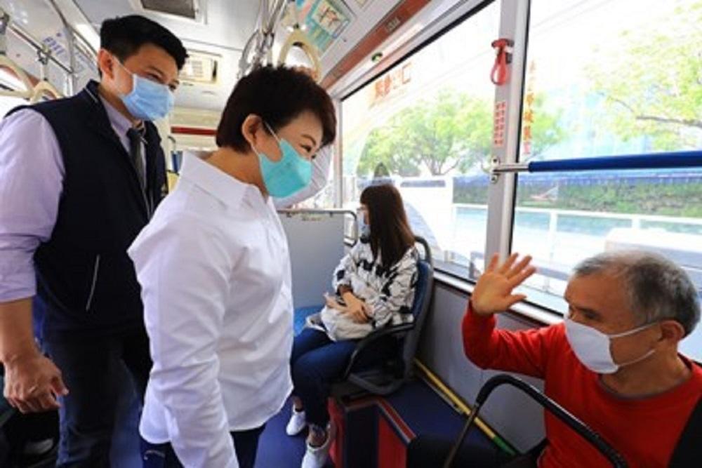 台中公車乘客配合戴口罩執行情形良好