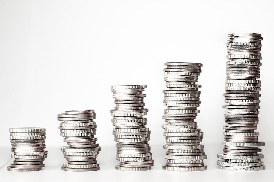 國民年金年底評估「漲保費」 逾3百萬人受影響