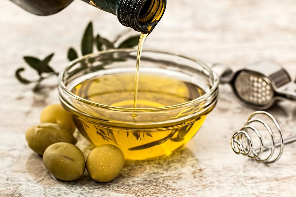 橄欖油渣製營養品 首見要求得標「孕婦幼兒不宜」警語