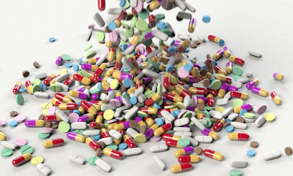 精神科用藥混灰指甲藥恐出問題  健保攔阻14組「絕對禁忌」用藥組合