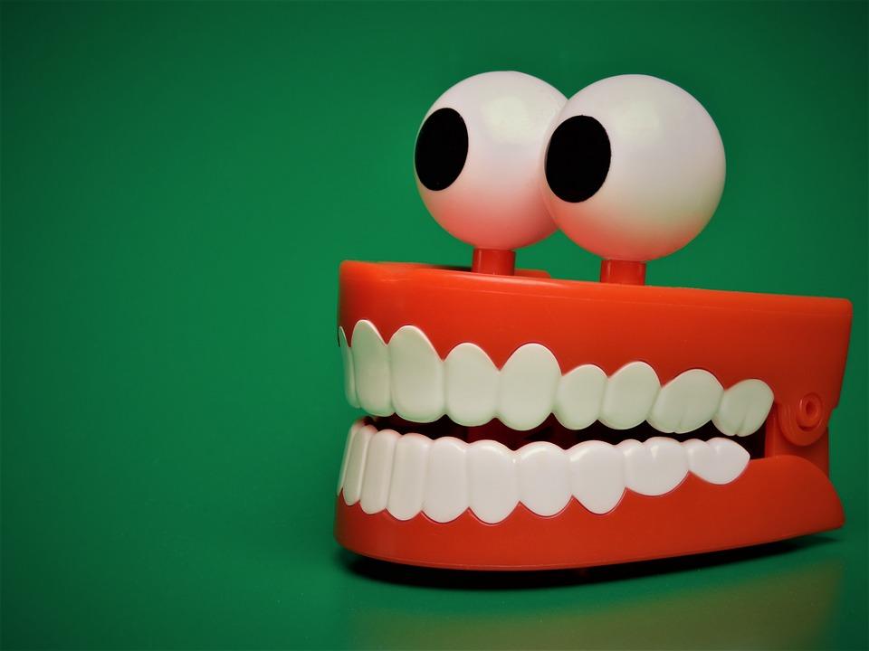 孩子換牙隨手拔掉就好?  牙醫警告:小動作潛藏大威脅